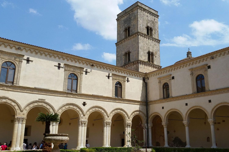 abbazia-montescaglioso-tenuta-parco-dei-monaci-azienda-agricola-vitivinicola-produzione-vino-primitivo-doc-monacello-rosapersempre-spaccasassi-matera-basilicata